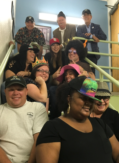 downtown-hat-day